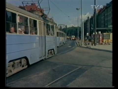 Tekst piosenki Monica Zetterlund - Sakta vi gå genom stan po polsku