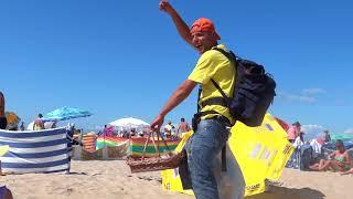 Zajebisty sprzedawca freestyle'uje na plaży we Władysławowie!