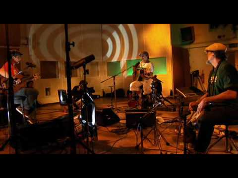 Manu Chao - Politik Kills (Live From Abbey Road )