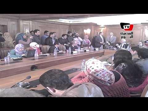 مشادات بين صحفيين ووزير التعليم العالي تنتهي بانسحابهم من مؤتمر الوزارة