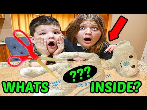 WHATS inside ROBLOX BEAR in REAL LIFE? Cutting OPEN ROBLOX BEAR 🐻 w/Aubrey & Caleb!