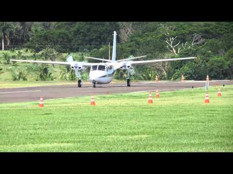 SSHN: Decolagem (TakeOff) Shrike Commander PT-IAT em Iguaraçu (SSHN).