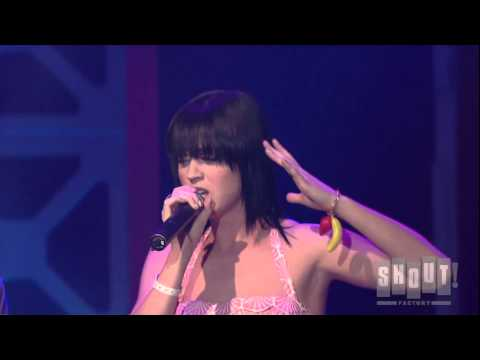 Katy Perry – Waking Up In Vegas (Live at SXSW)