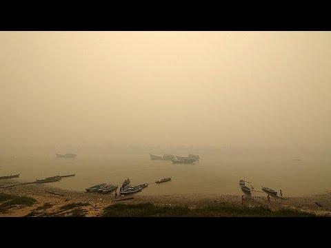 Ινδονησία: Σοβαρά προβλήματα από το νέφος λόγω δασικών πυρκαγιών