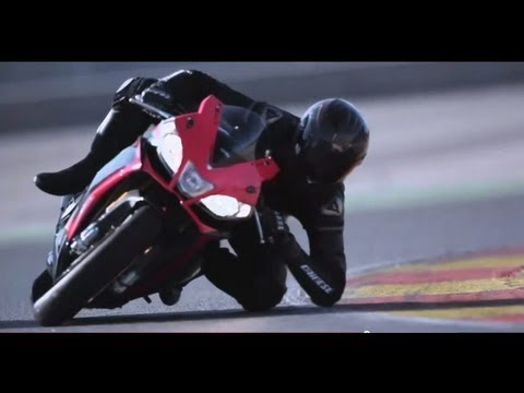 2013 Aprilia RSV4 Factory APRC ABS official video