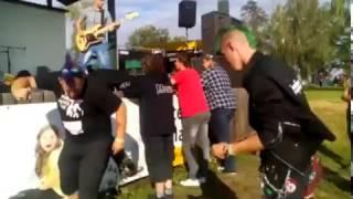 Video Ne(v)hodné loutky - realita(Agrofest 2016)