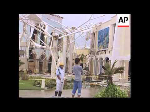 Latest on effects of Hurricane Wilma on Yucatan