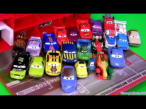 DisneyPixar - From disney pixar cars 2, this is the tomica panorama pit storage carrying display case. This case can display and store 19 cars 1:65 scale from takara tomy as well as 1:55 scale from mattel...