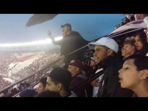 La gente minutos antes del final Lanus vs san lorenzo - La Barra 14 - Lanús