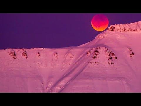 Η «σούπερ μπλε ματωμένη» σελήνη που μάγεψε