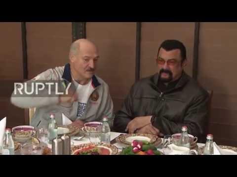 Lukašenko poslužio Stivena Sigala povrćem iz svoje bašte