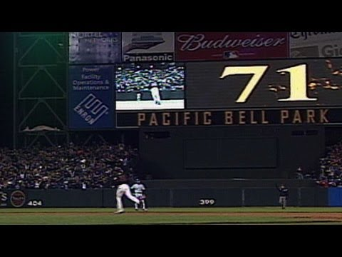 Video: Bonds hits #71