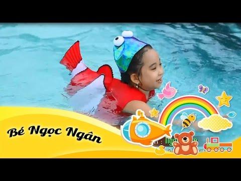 Cá vàng bơi - Bé Ngọc Ngân