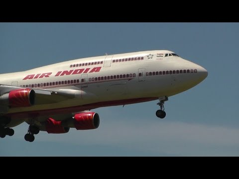 Video Air India Boeing 747-400 Landing at Sydney Airport download in MP3, 3GP, MP4, WEBM, AVI, FLV January 2017