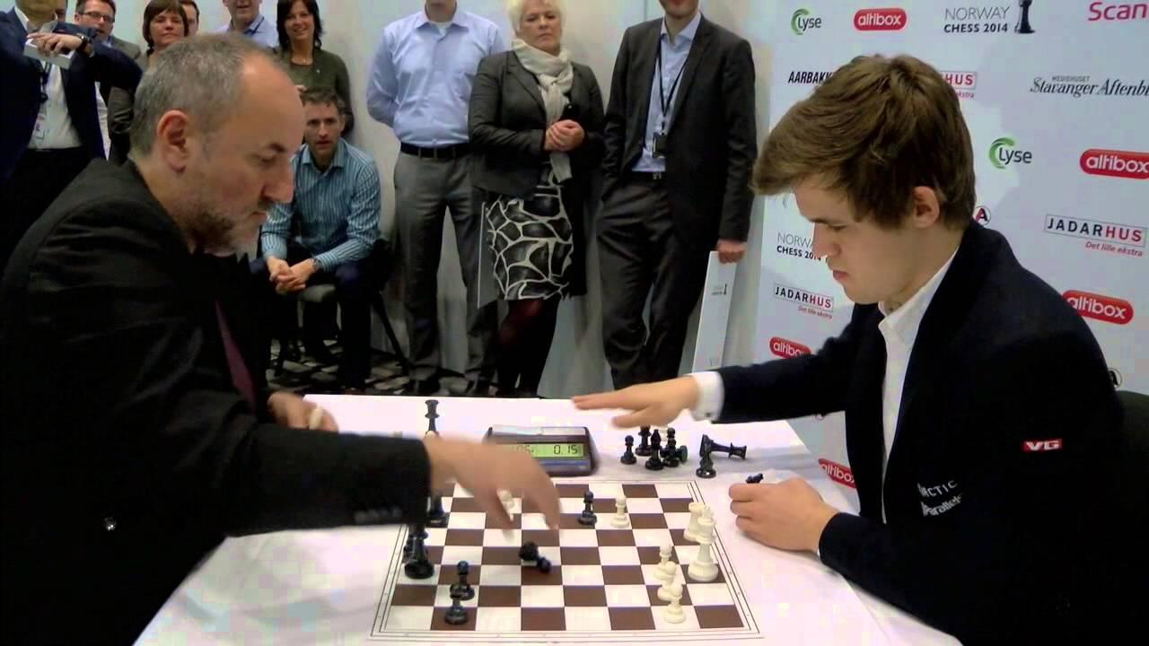 Blitz Chess: Magnus Carlsen vs. Manager Espen Agdestein