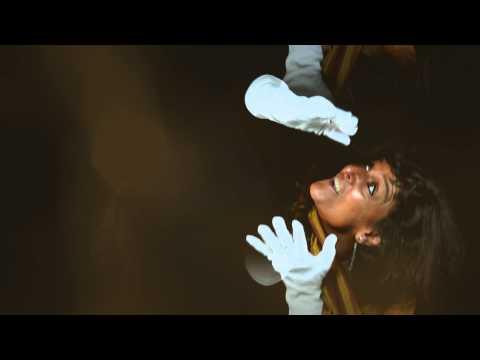 'Interroge la lune' : Poème de Nicole Coppey