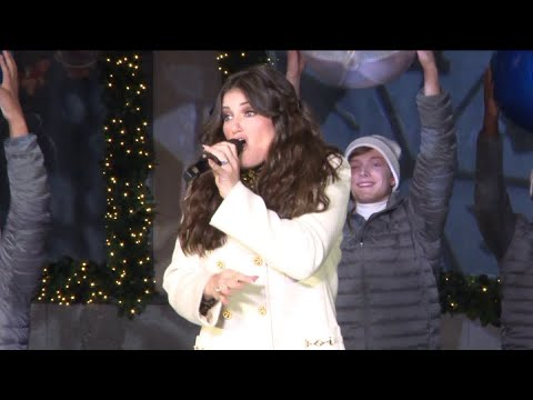 Video Idina Menzel - Show Yourself (Frozen 2) Live at Saks Fifth Avenue download in MP3, 3GP, MP4, WEBM, AVI, FLV January 2017