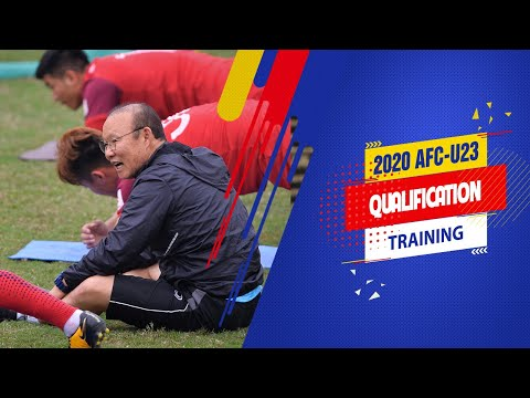 HLV Park Hang Seo tập luyện cùng học trò, khích lệ tinh thần toàn đội trước giải đấu | VFF Channel - Thời lượng: 3 phút, 7 giây.