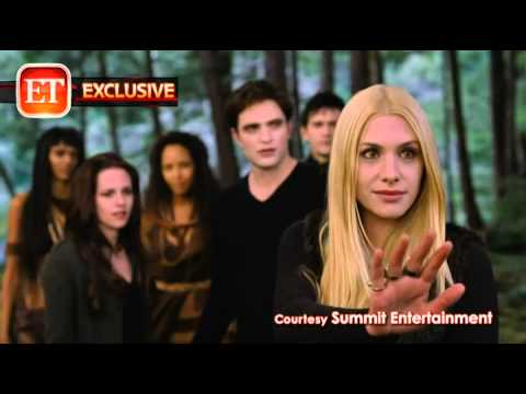 The Twilight Saga's Breaking Dawn Part II (Featurette 'Meet the New Vampires')