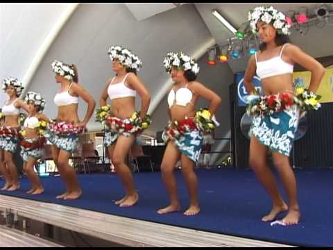 """Pate Pate"" - Polynesian dance in Cairns, Australia"