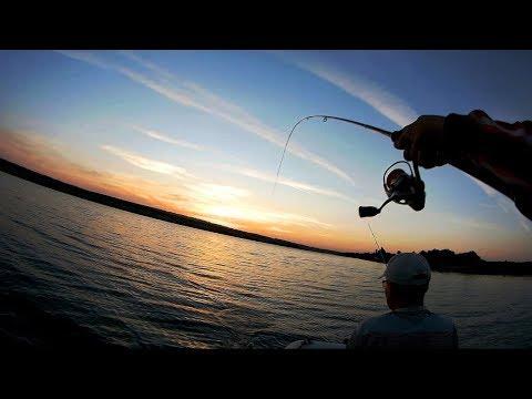 Смотрите как спиннинг гнётся...я столько ещё не ловил..вот это рыбалка (видео)