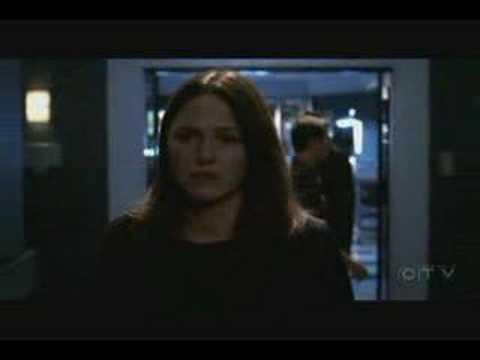 Смотреть видео онлайн с C.S.I.: Место преступления / CSI: Crime Scene Investigation