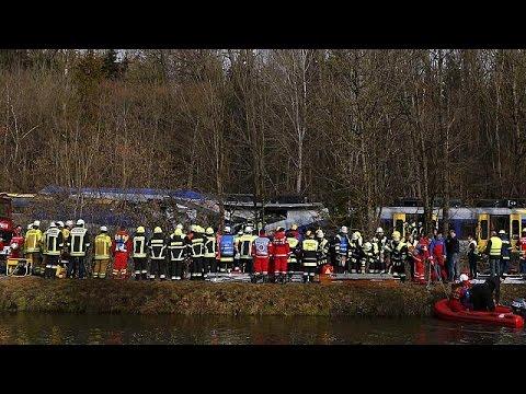 Γερμανία: Πολύνεκρη σιδηροδρομική τραγωδία.