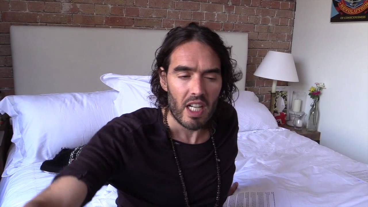 ASK iAN * Does David Cameron Secretly Like ISIS? Russell Brand The Trews