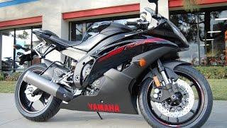 6. 2015 Yamaha YZF-R6 Raven Black