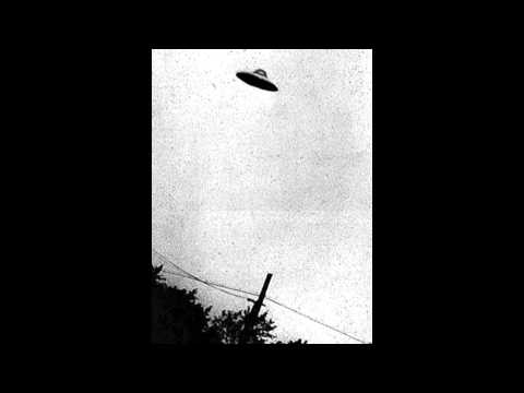 1340 - Photograph of a UFO taken in Passoria, New Jersey, in July 1952. I really saw a UFO just like that!!!!! I saw it in the Bronx a long time ago in July around ...