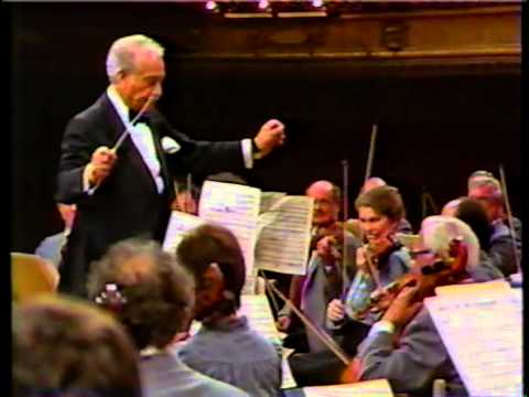 Victor Borge, Dance of the Comedians (видео)