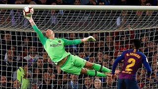 Video Top 10 Heroic Goalkeeper Performances In Football |HD MP3, 3GP, MP4, WEBM, AVI, FLV Januari 2019