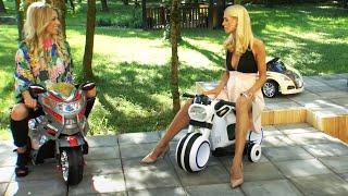 Video Katie Steiner fährt auf Kinderfahrzeugen (Mai 2018) MP3, 3GP, MP4, WEBM, AVI, FLV Februari 2019