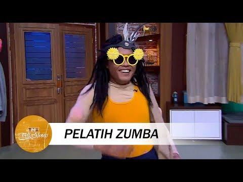 Download Video Satu Studio Ngakak Lihat Aksi Pelatih Zumba