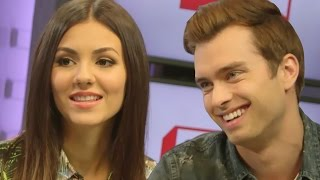Nonton Victoria Justice & Pierson Fode Talk 'Naomi & Ely's No Kiss List' Chemistry & Relatability Film Subtitle Indonesia Streaming Movie Download