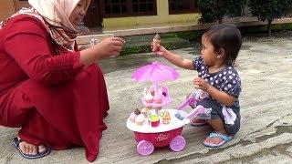 Video Drama Afsheena Jadi Penjual Es Krim & Unboxing Toys Kids Sweet Cart Ice Cream MP3, 3GP, MP4, WEBM, AVI, FLV Mei 2019