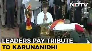 Video Karunanidhi's Funeral Procession At Marina Beach MP3, 3GP, MP4, WEBM, AVI, FLV Oktober 2018