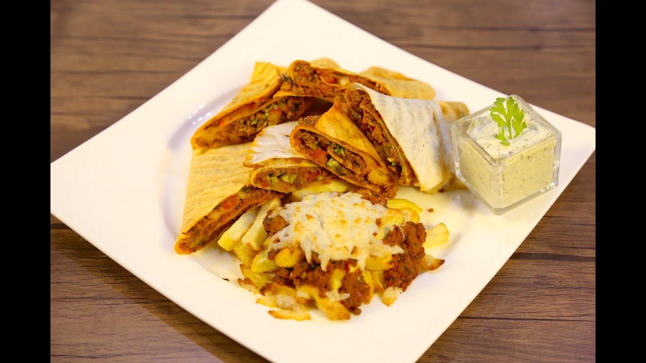 Turkish sandwich with mozzarella and veggies