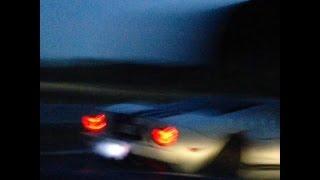 Nissan GT-R zepchnięty na prawy pas przy 300+ km/h przez Forda GT!