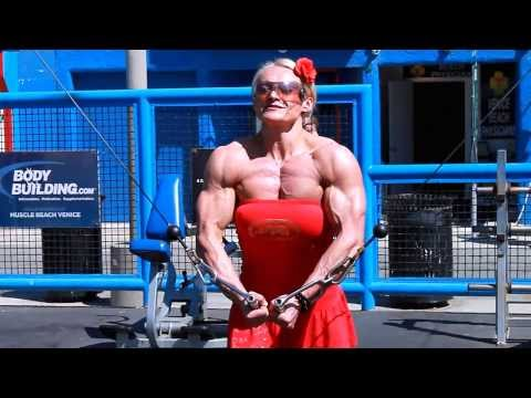 muscle woman domination