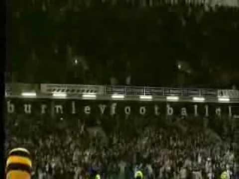 Steve Davis pone al Burnley 2-1 ante el Tottenham