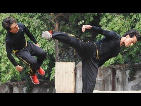 Tiger Shroff Perform Live Action Parkour To Promote 'Heropanti