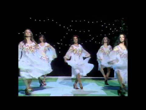 Video Pans People Mike Oldfield In Dulce Jubilo 1975 download in MP3, 3GP, MP4, WEBM, AVI, FLV February 2017