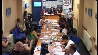 crno-na-belo-konferencija-za-medije-u-nisu-02