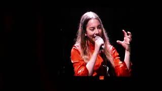 HAIM banter - Este Tells The Best Joke Ever + clip of Falling @ The Greek Theater, LA - 10/19/17