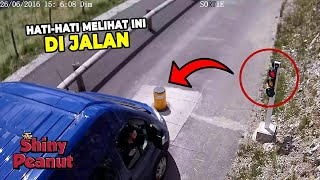 Video Akibat Gak Sabaran, Mobil Ini Mengalami Hal Tak Terduga MP3, 3GP, MP4, WEBM, AVI, FLV April 2019