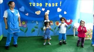 Alunos do Maternal I Manhã da Creche Escola Arte Infantil homenageando o dia dos Avós!