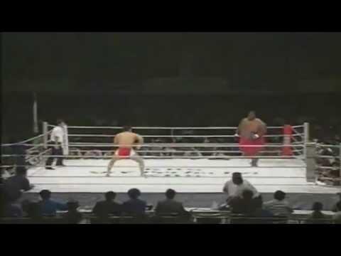 600磅相撲VS169磅拳手