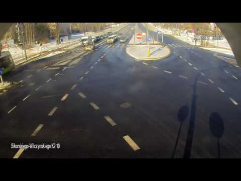 A w Olsztynie przez ulicę przechodzimy tak…