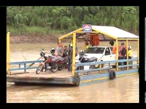 Problemas mecânicos em balsa paralisa travessia no Rio Juruá